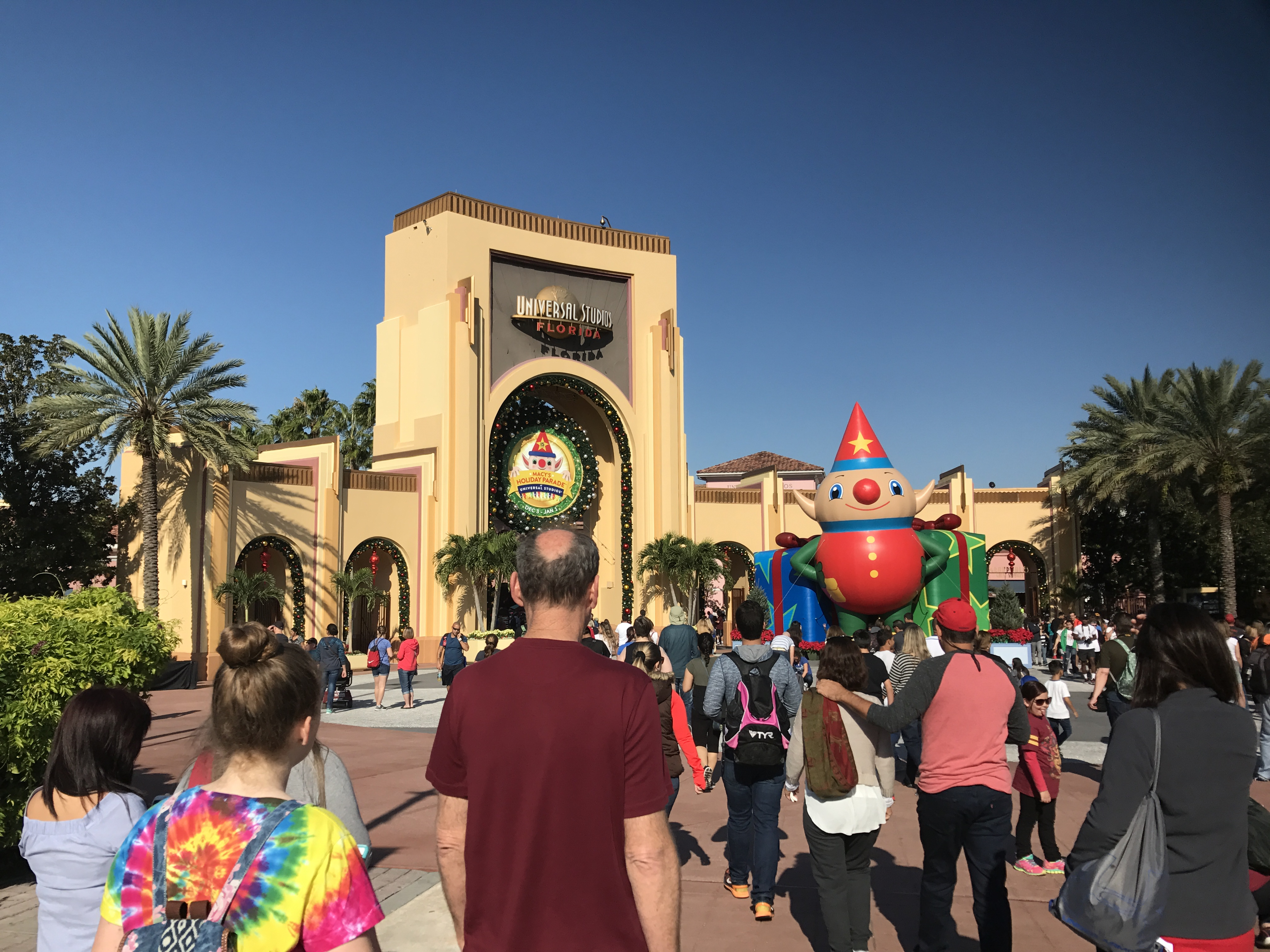 Christmas At Universal Studios Orlando.Visiting Universal Orlando During The Busiest Weeks Of The