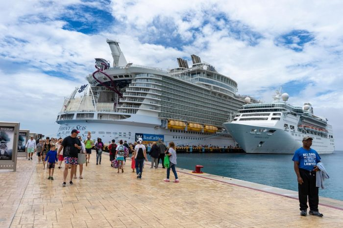 SATURDAY SIX - 6 Reasons We Love Sailing on ROYAL CARIBBEAN