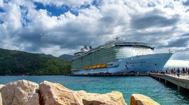 SATURDAY SIX - 6 Reasons We Love Sailing on ROYAL CARIBBEAN