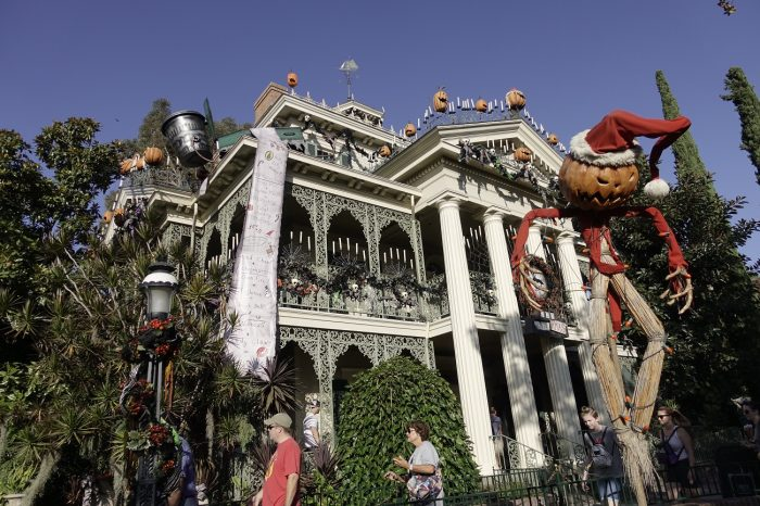 Halloween In Disneyland 2019.Photos Halloween Time 2019 Starts At Disneyland And Dca