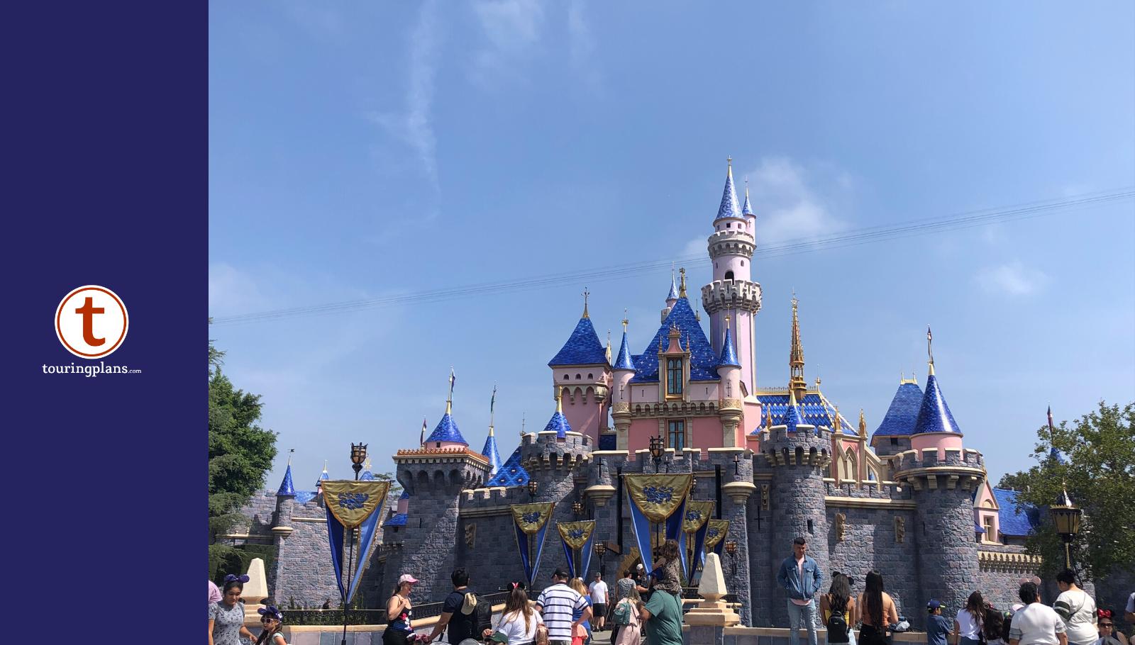 June 2010 w//schedule Disneyland//CA Adventure Guides