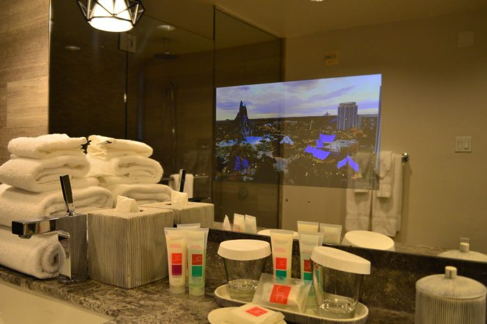 The SATURDAY SIX Spends a Night at Loews ROYAL PACIFIC RESORT
