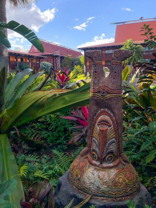 PHOTOS – A Park-Free Day Calls for Resort Hopping