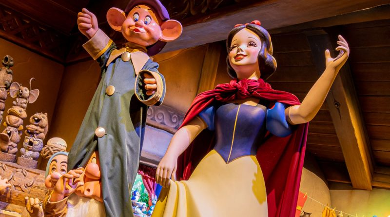 Snow White's Scary Adventure Becoming Snow White's Enchanted Wish