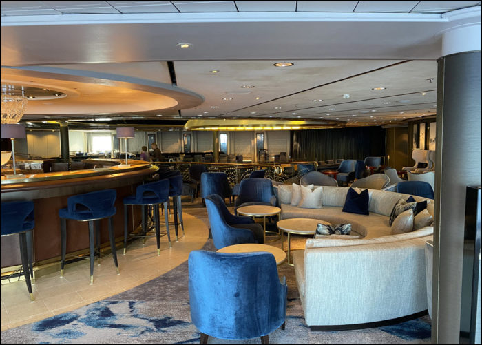 Image of the Starlite Lounge on the Crystal Symphony