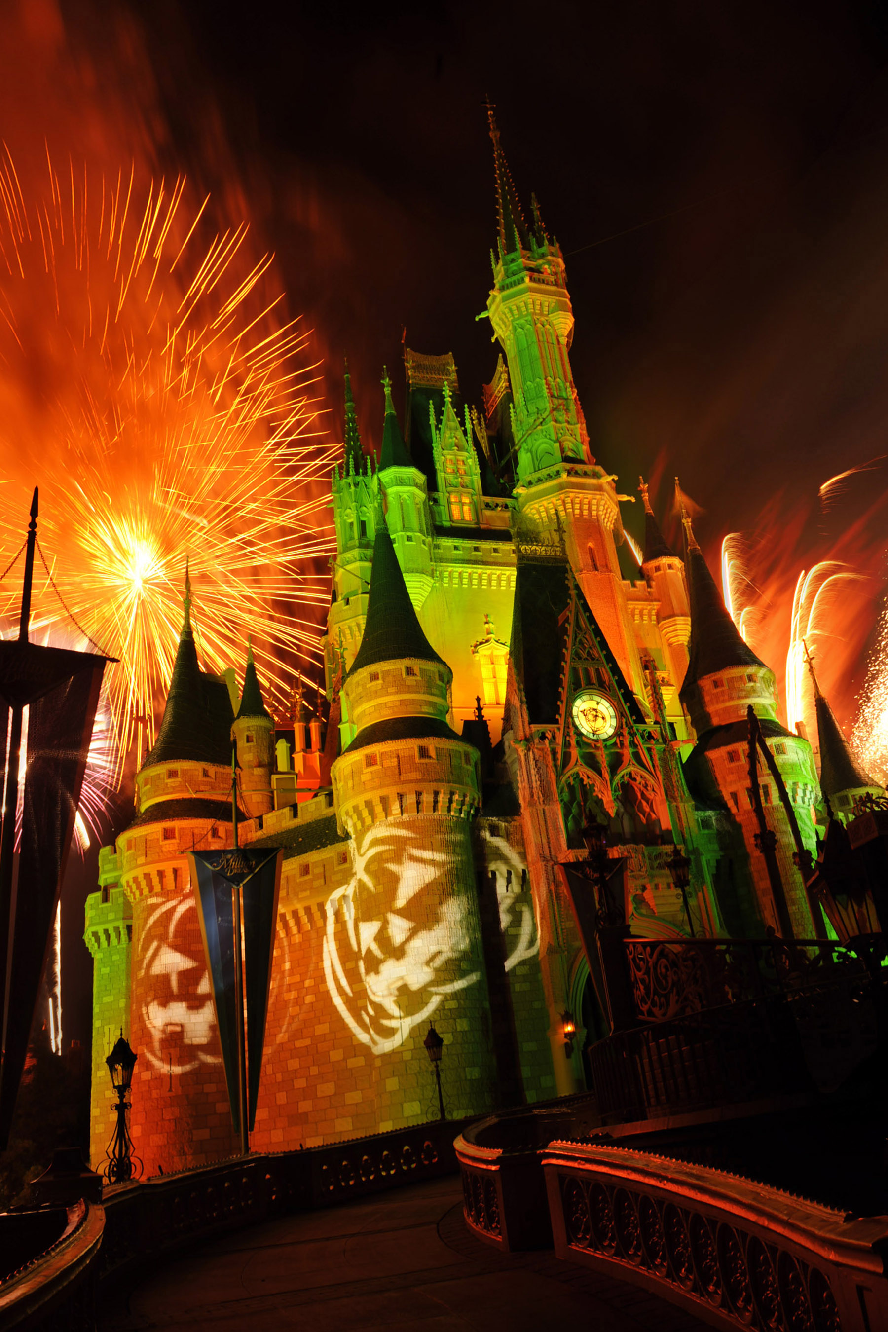 Happy HalloWishes Dessert Premium Package Introduced for Mickey's ...