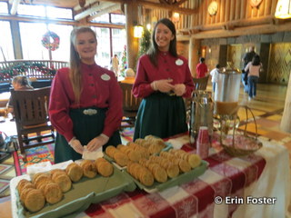 Free cookies and cider at the Wilderness Lodge at Christmas.