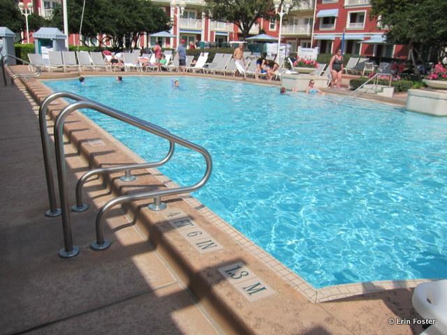 Boardwalk, Villas pool