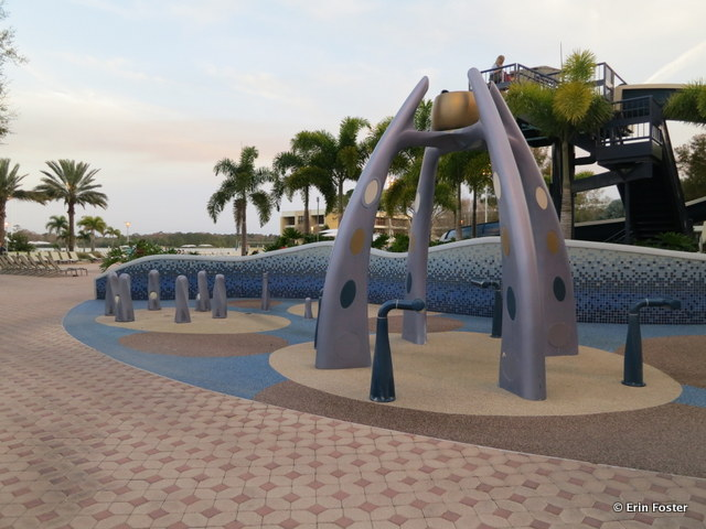 Contemporary, main pool, children's water play area