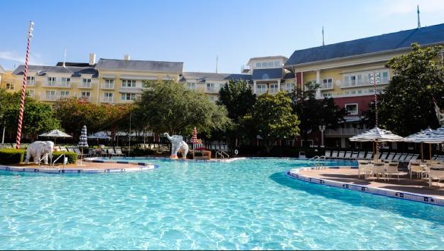 Boardwalk, Luna Park pool, ©Disney