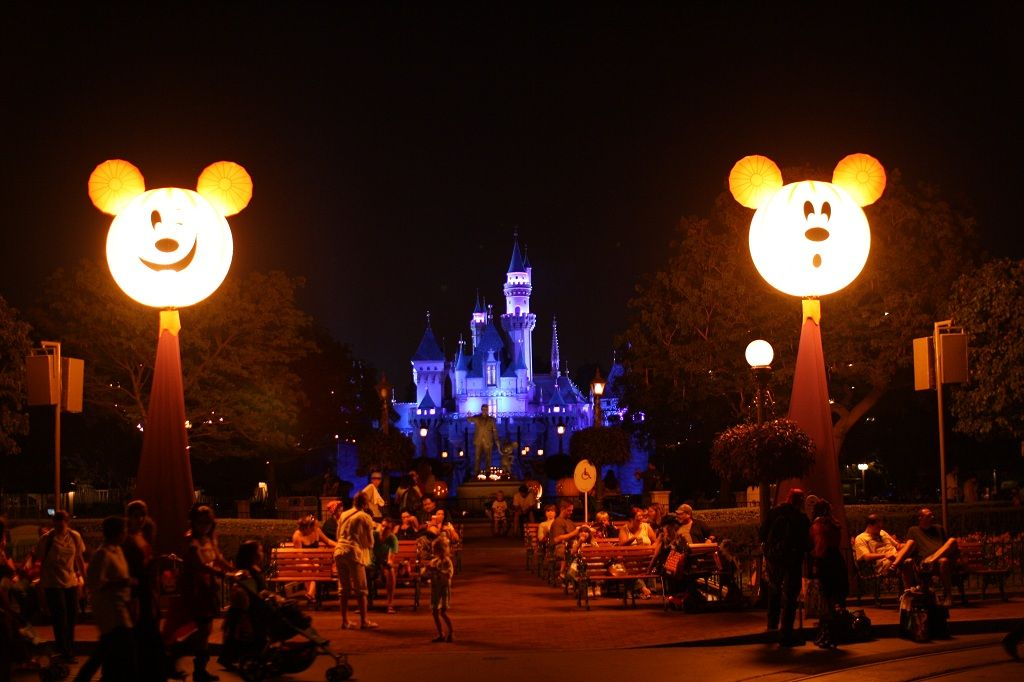What to Expect from 2014′s Mickey's Halloween Party at Disneyland ...
