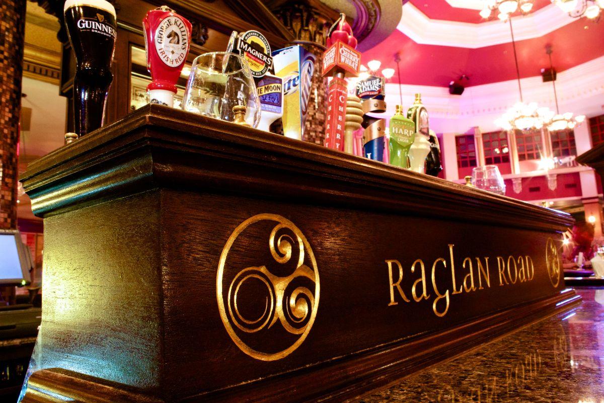 the ultimate walt disney world bar tour touringplanscom
