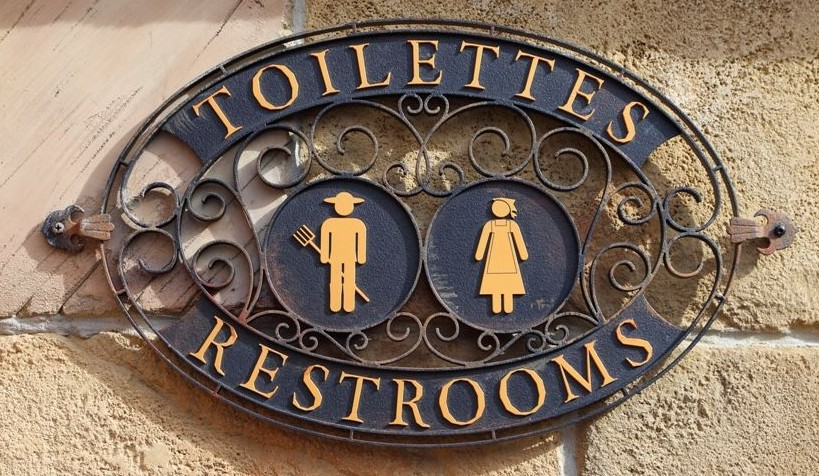 Toilettes Sign in New Fantasyland (Not Hidden!)