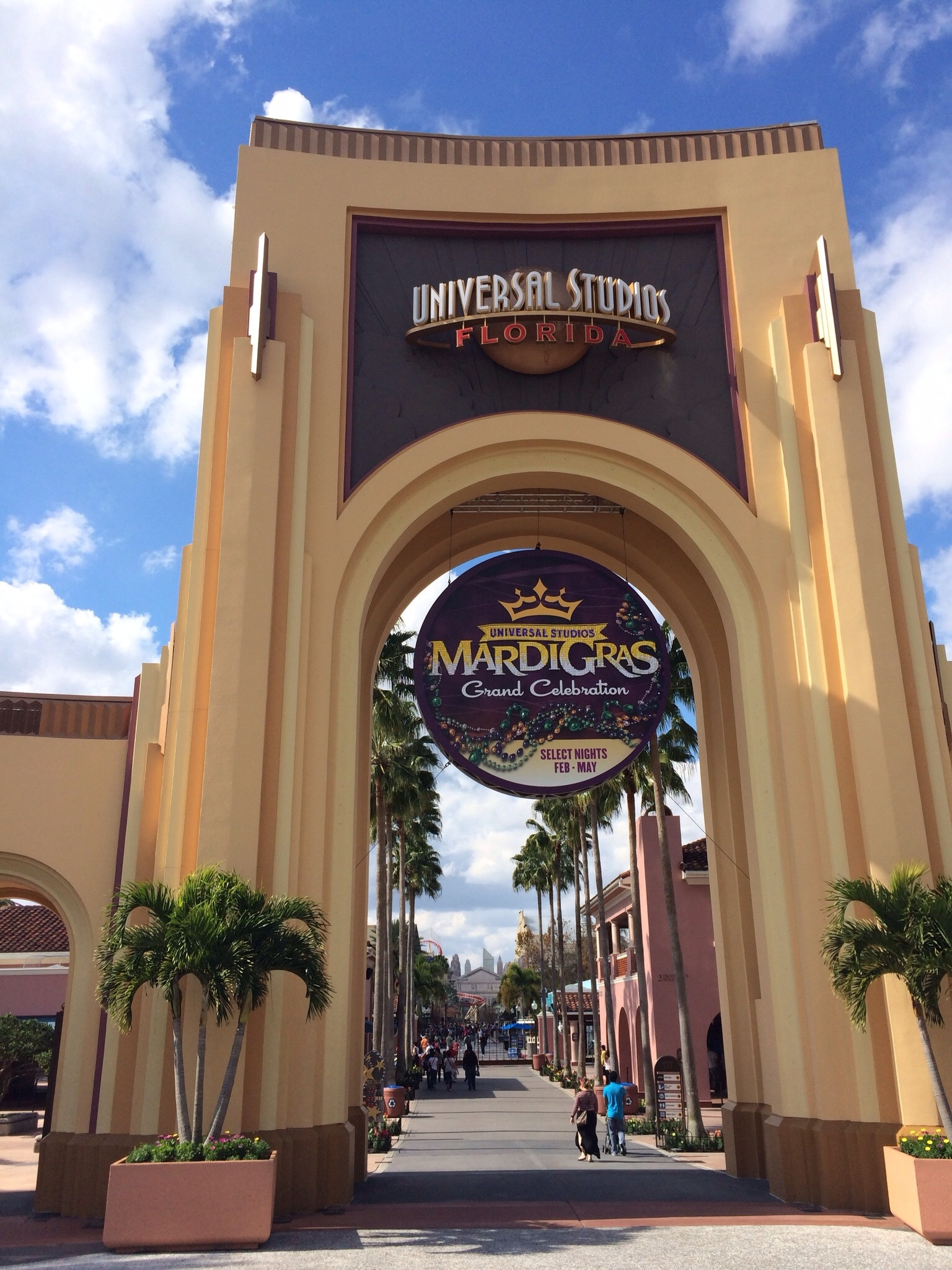 Universal Studios Mardi Gras 2014 guide