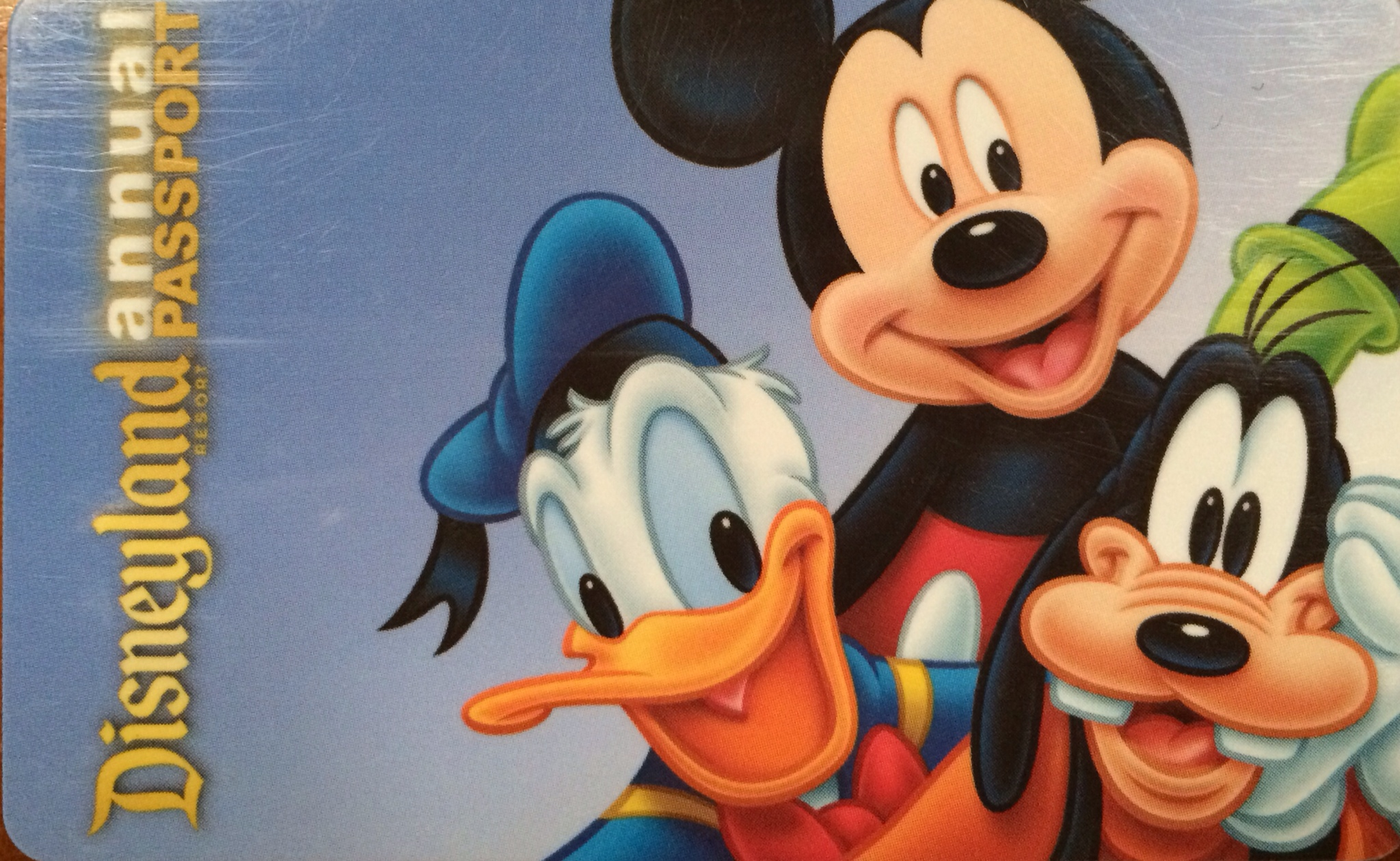 Disneyland annual pass discounts extended through 2014