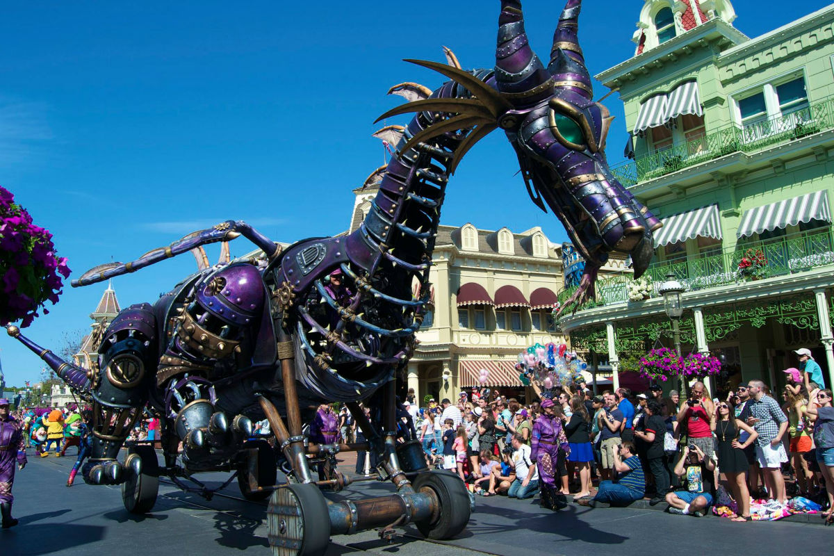 Six Reasons We Love Magic Kingdom S Festival Of Fantasy Parade
