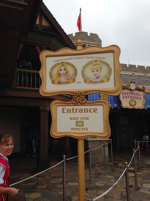 Much shorter standby wait for Rapunzel and Cinderella
