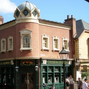 Rose and Crown pub at Epcot's World Showcase, perfect place for united kingdom snack