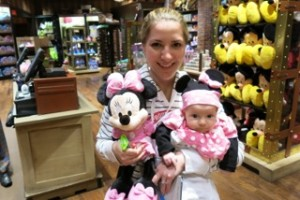 Photo Op Case and Point: A 'mini' Minnie!