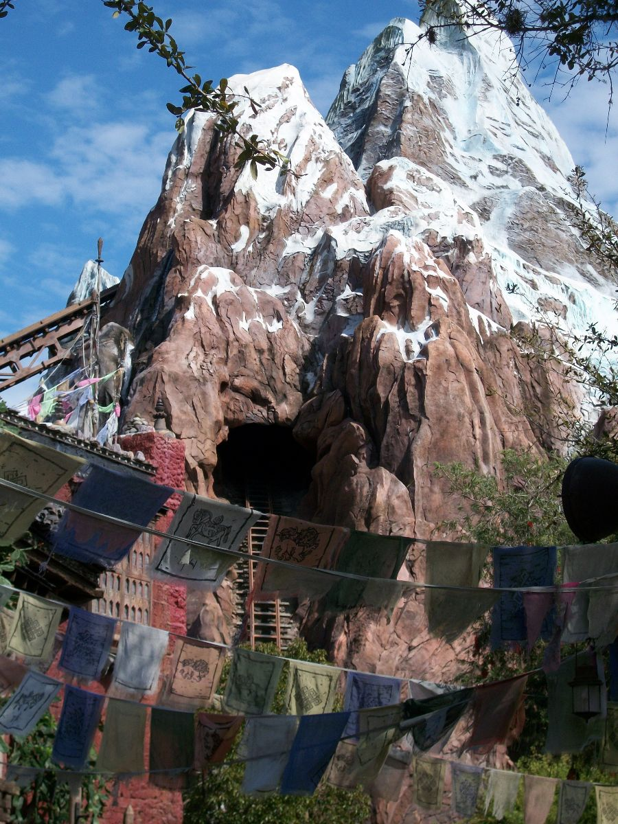 Disneyland vs. Disney World: The Matterhorn Bobsleds and ...