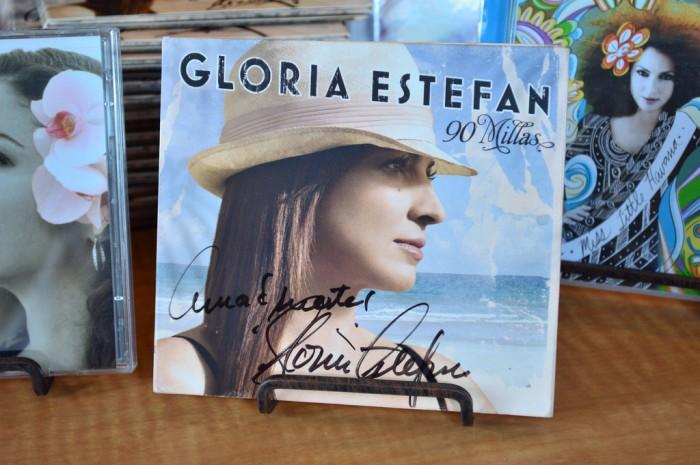 Bongos_merchandise_Gloria_Estefan