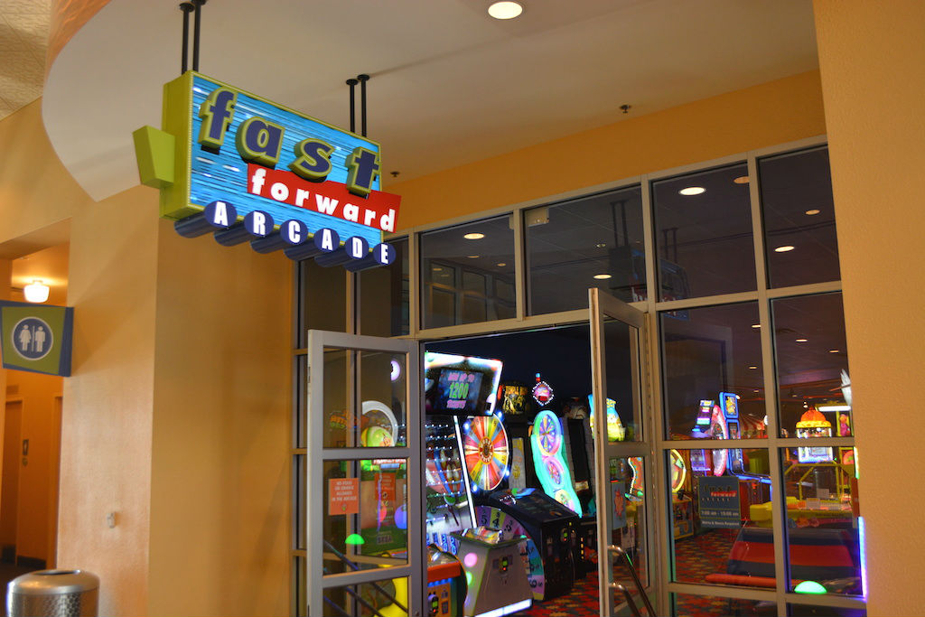 Six Reasons We Love Disney S Pop Century Resort