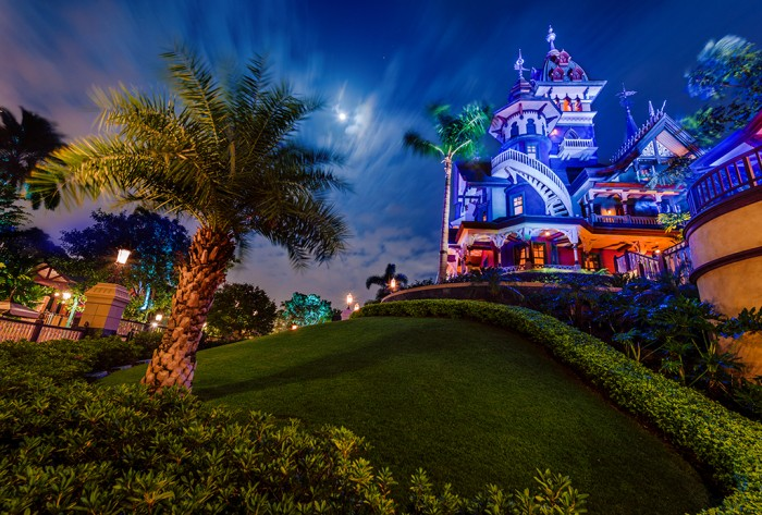 mystic-manor-hong-kong-disneyland-night-side-view
