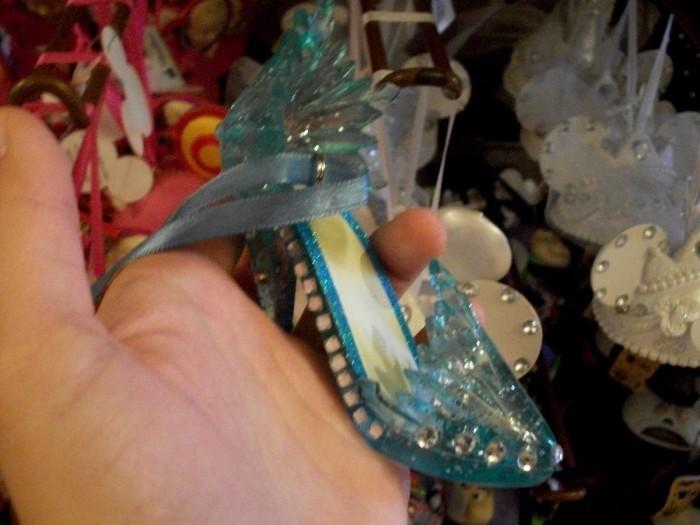 Elsa's Shoe Ornament