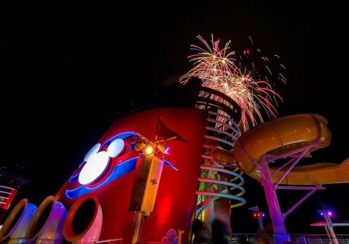 DCL_Fireworks_Bricker