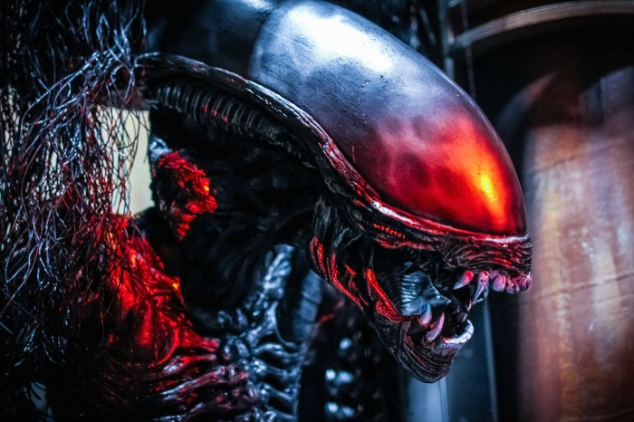 HHN_Aliens_HateToFly