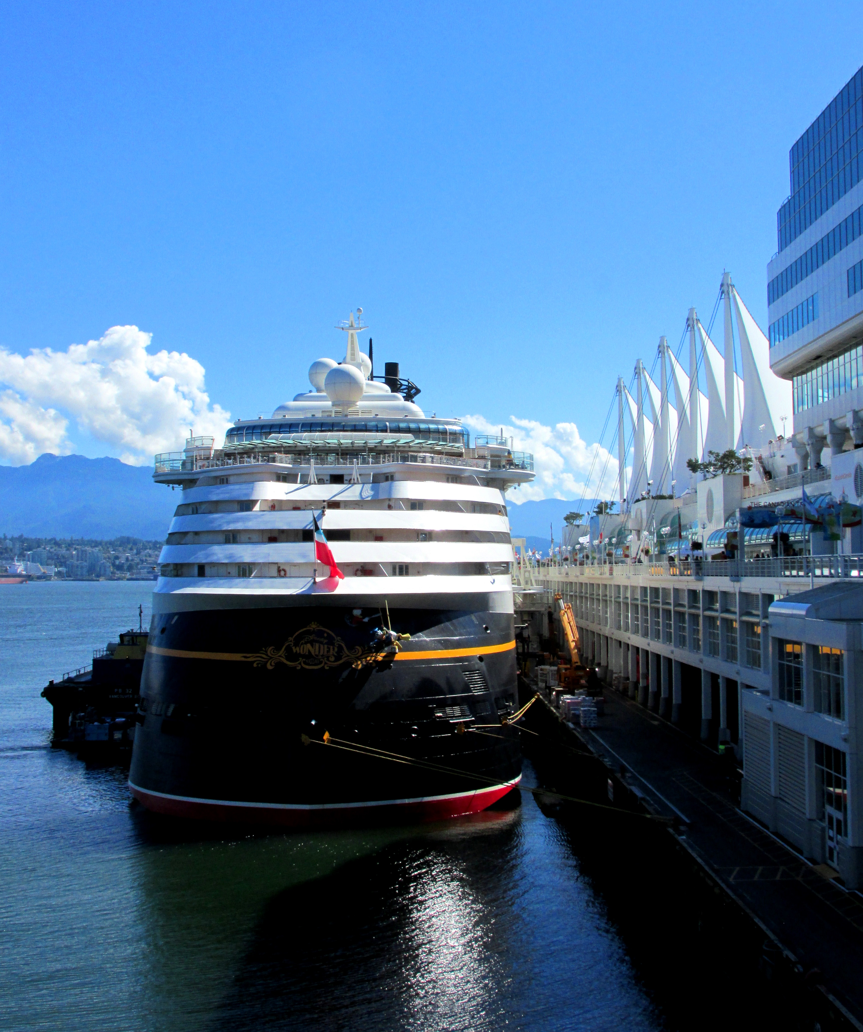 Vancouver Harbour: Canada Place: Vancouver Cruise Terminal Basics