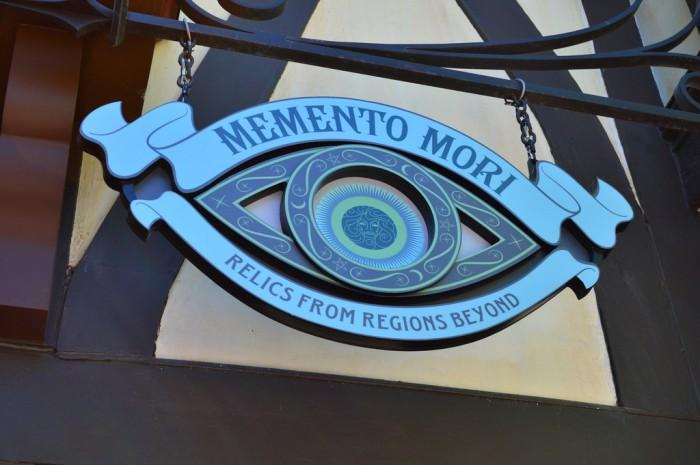 Memento_Mori_Glover