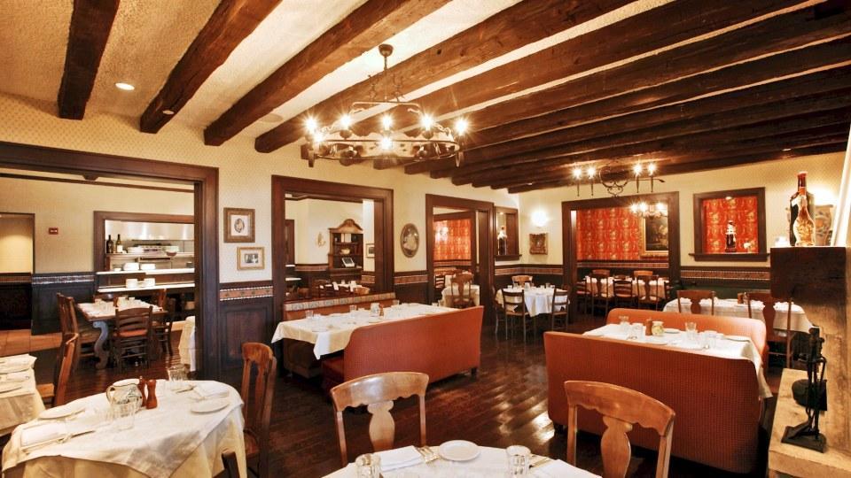 mama della 39 s the best full service restaurant at universal orlando