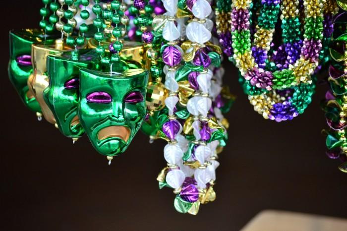 MardiGras_beads_glover