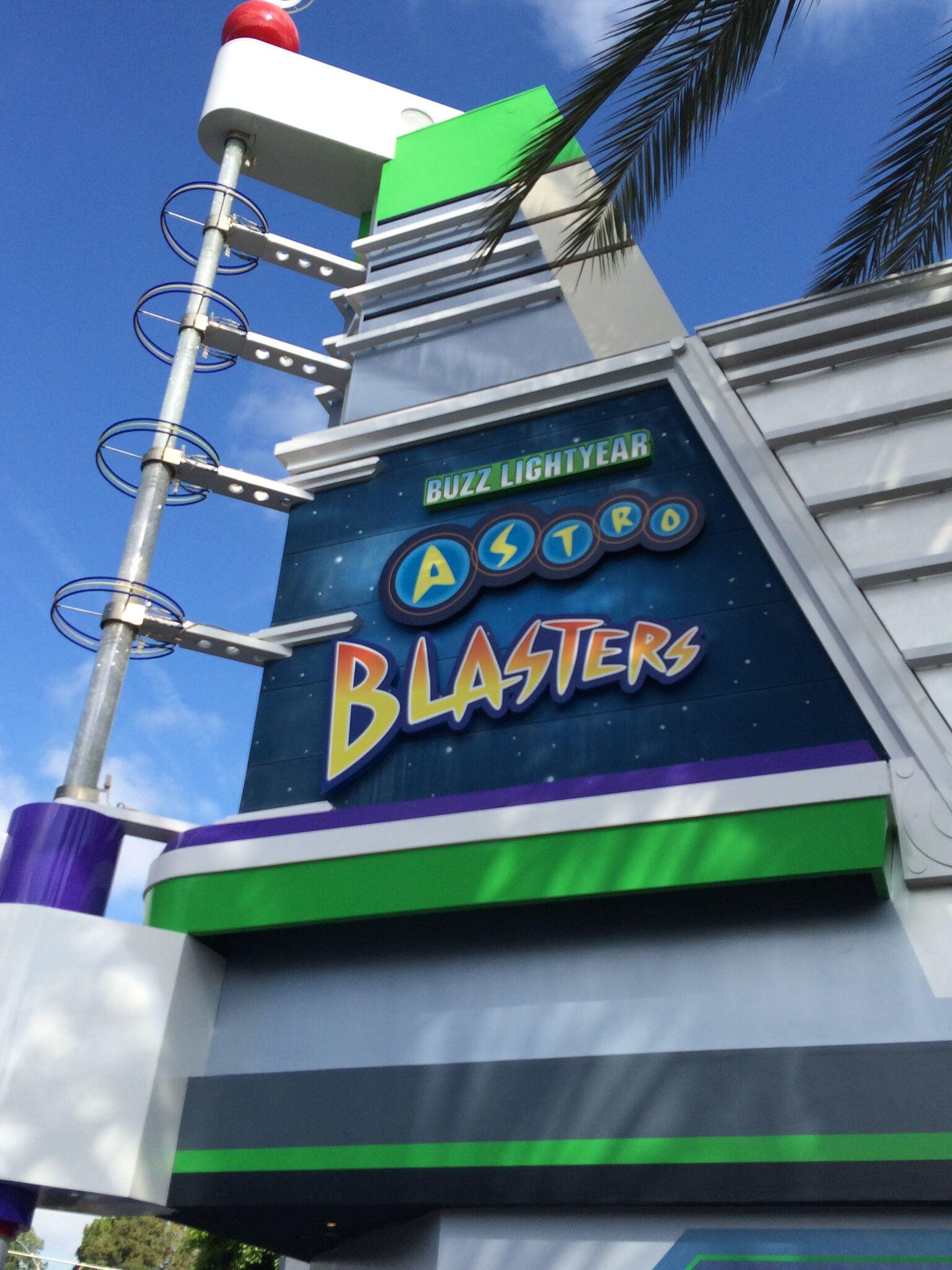 Disneyland Vs Disney World Attractions Buzz Lightyear