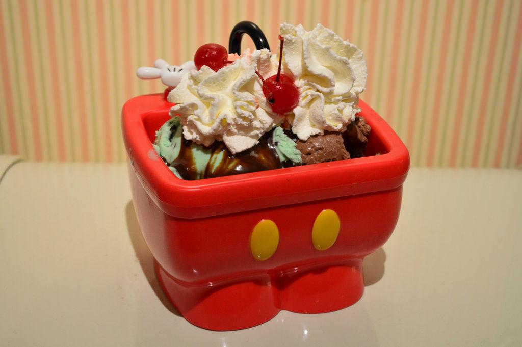 Disneyland Ice Cream Kitchen Sink