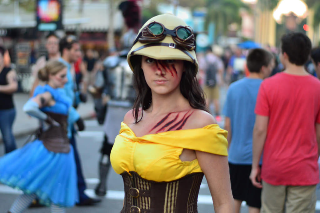 belle from scary tales screampunk scarezone photo by brandon glover hhn2