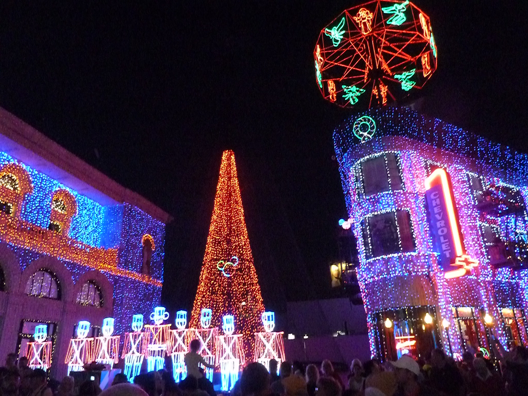 Video: 2015 Osborne Family Spectacle of Dancing Lights at Disney's Hollywood Studios