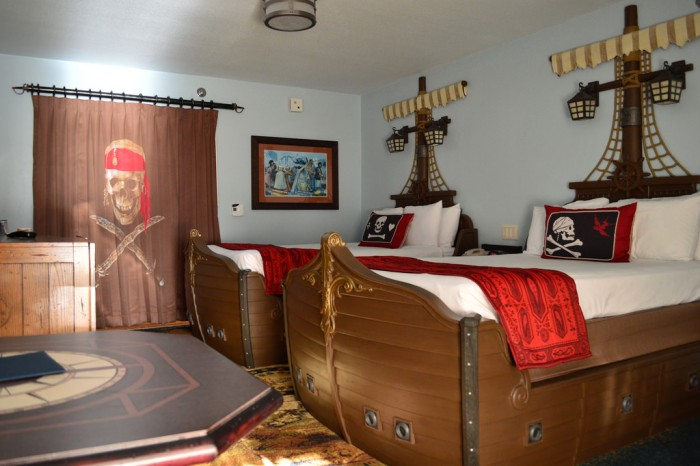 Pirate Room At Disney S Caribbean Beach Resort Photo By Brandon Glover Cbr Pirateroom2