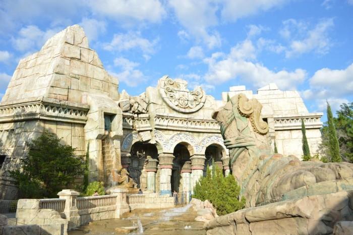 Poseidon's Fury's exterior, at Islands of Adventure