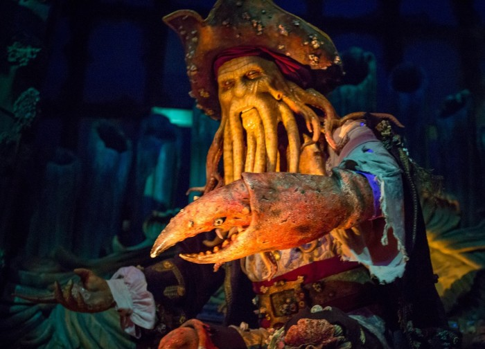Davy Jones speaks in threatening Mandarin tones
