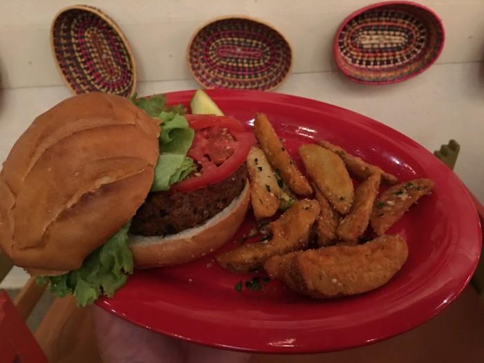 csr_peppermarket_veggieburger