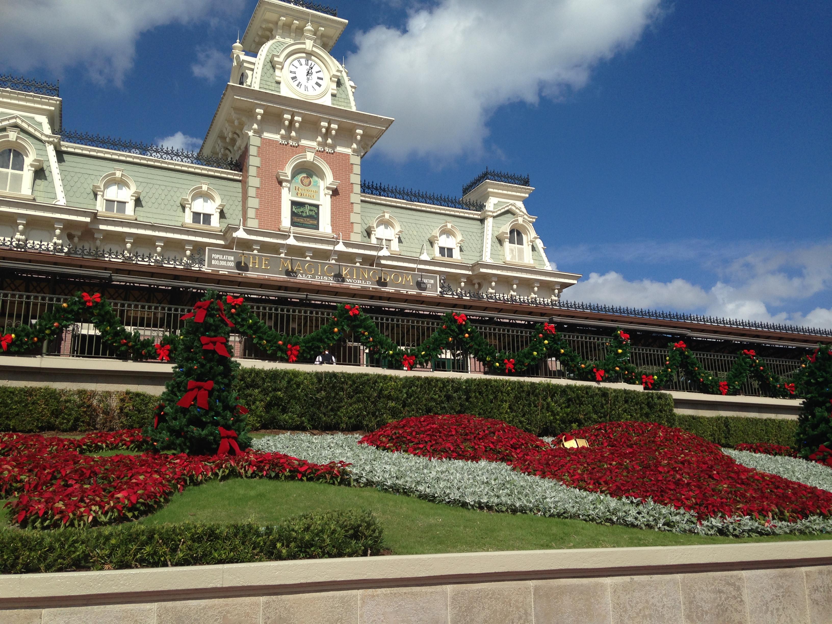 disney parks christmas day parade magic kingdom rikki niblett - Disney Christmas Day Parade