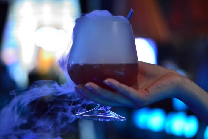 swan_bluezoo_smoke