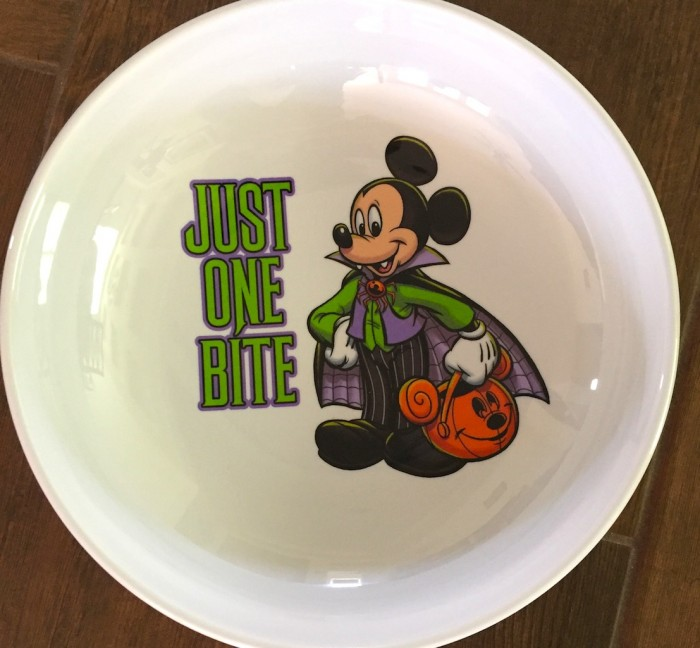 mmm_mickeyplate_1499_499_julia