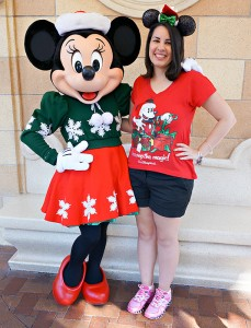 Disneyland Holiday Character - Minnie