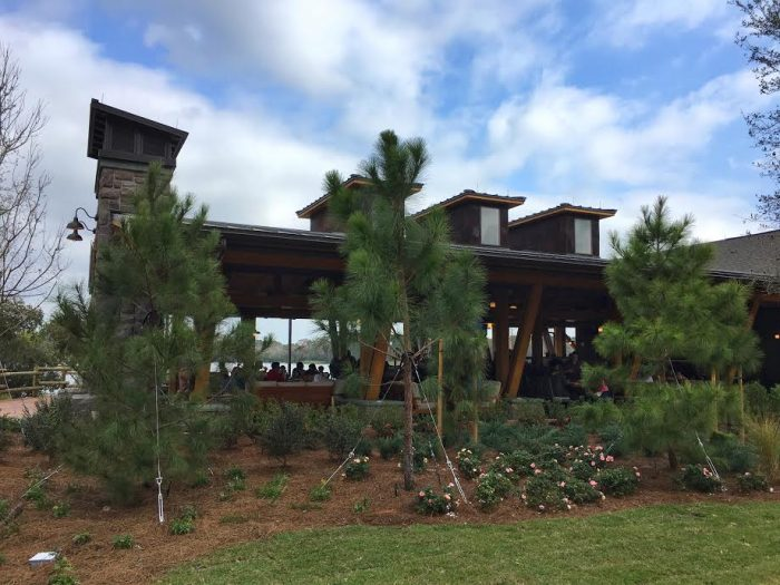 With architecture matching the main lodge, Geyser Point blends in to the resort seamlessly.