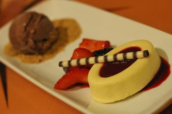 Seasonal cheesecake with chocolate gelato