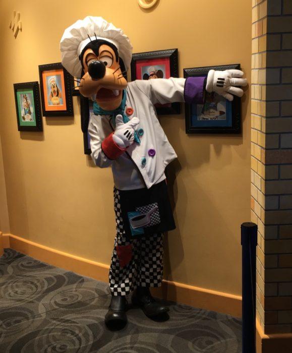 Review Of Breakfast At Goofy 39 S Kitchen In Disneyland Hotel Blog