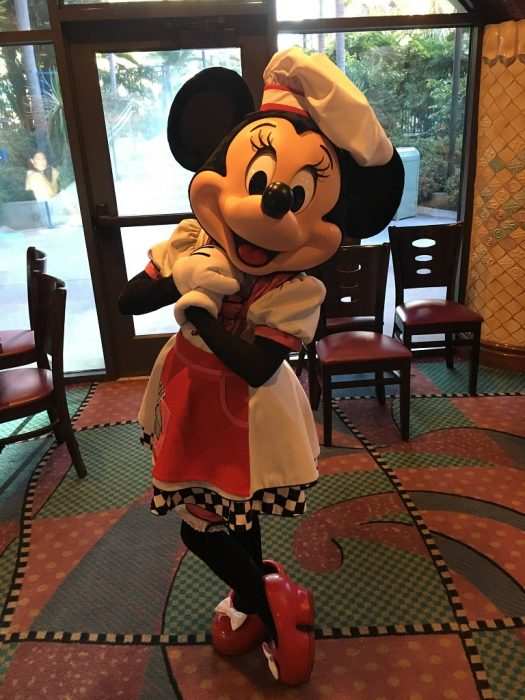 before we get to the food lets talk about the characters youll meet while you dine at goofys kitchen heres minnie mouse looking fabulous - Goofys Kitchen